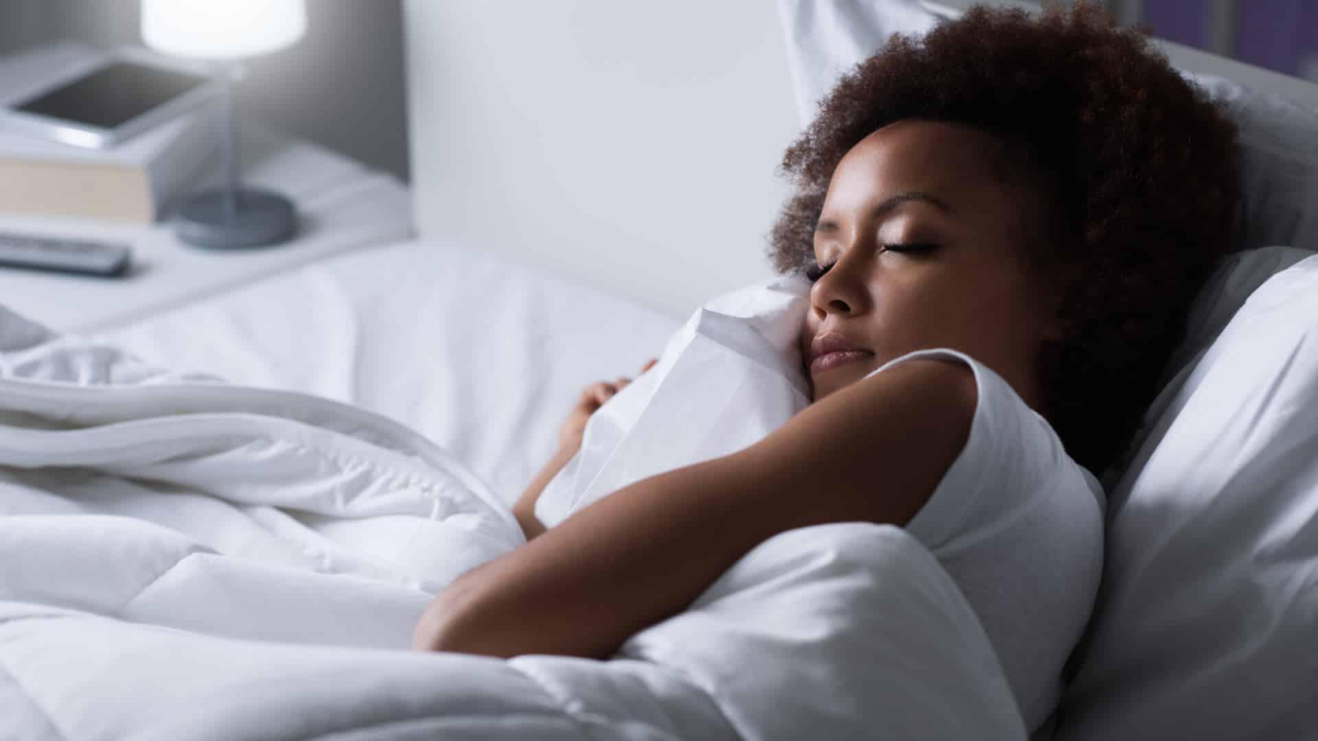 Você dorme bem? Conheça as 4 fases do sono!